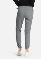 Vero Moda - Thea studded belt pants