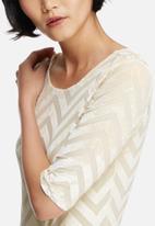 Vero Moda - Velvet chevron bodysuit