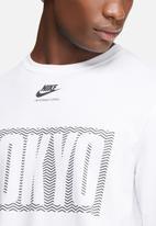 Nike - International top