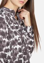 Jacqueline de Yong - Courtney placket shirt