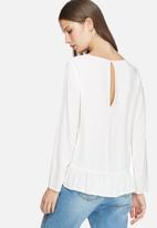 Jacqueline de Yong - Chandler frill blouse