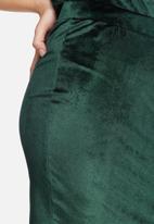 Jacqueline de Yong - Sherry velvet pencil skirt