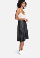 dailyfriday - V-neck cami bodysuit