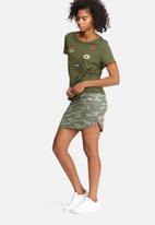 Vero Moda - Camo skirt
