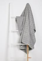 Sixth Floor - Cube bath sheet