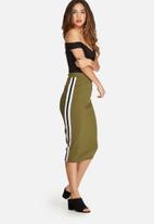 Missguided - Rib side stripe midi skirt