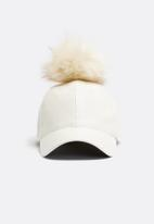 Missguided - Faux leather pom pom hat