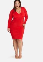 Missguided - Plus size v-neck slinky midi dress