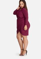 Missguided - Plus size slinky wrap dress
