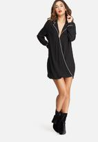 Missguided - Contrast pyjama wrap front dress