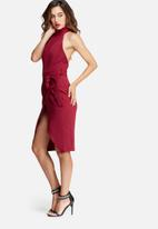 Missguided - High neck belted tailored midi dress