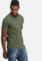 basicthread - Muscle fit tee
