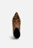 dailyfriday - Leopard boot