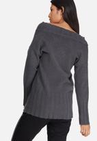dailyfriday - Soft touch slouchy v-neck knit