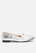 dailyfriday - Metallic loafer
