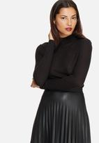 Vero Moda - Wollie wool funnelneck top