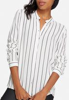 Jacqueline de Yong - Sona shirt