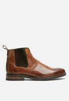 basicthread - Cameron leather chelsea boot