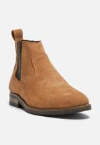 basicthread - Cameron suede chelsea boot