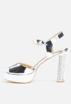 Glamorous - Christina platform