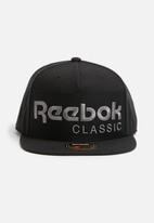 Reebok Classic - Foundation trucker cap