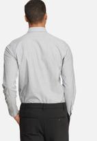 basicthread - Slim Fit Formal Shirt