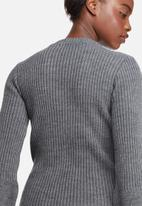 dailyfriday - Fluted sleeve knit