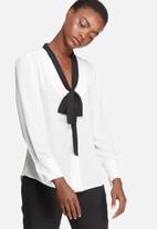 dailyfriday - Kitty bow blouse