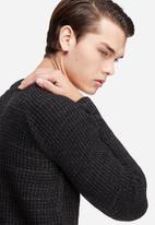 basicthread - Raglan sleeve textured knit