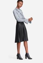 Vero Moda - Vicky ruffle bell sleeve knit