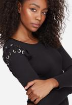 Missguided - Lace up shoulder ribbed long sleeve bodysuit