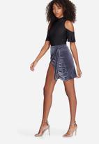 Missguided - Velvet tie side wrap mini skirt