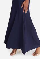 Missguided - Cowl neck maxi dress
