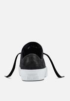 Converse - Chuck Taylor All Star II Craft Leather