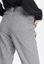 ONLY - Maggie belted pinstripe pants