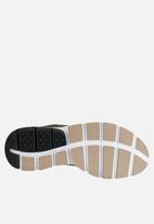 Nike - Nike Sock Dart