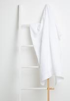 Sixth Floor - White bath sheet