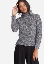 Vero Moda - Camille funnel neck knit