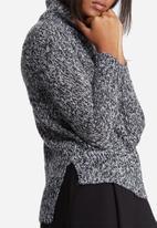 Vero Moda - Camille funnel neck knit