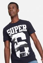 Superdry. - No 6 photographic tee