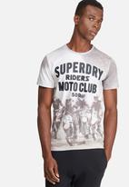 Superdry. - Moto X tee