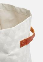 Love Milo - Triangle laundry basket