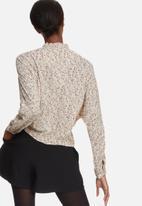 Vero Moda - Harly flower crop shirt