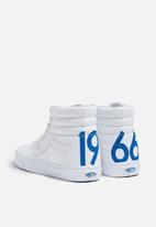 eb394f081ae Vans SK8-Hi Reissue Freshness 1966 - True White   Blue   Red Vans ...