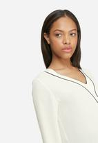 dailyfriday - Tipped formal blouse