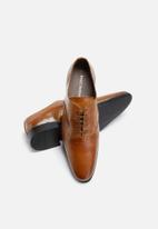 basicthread - Raymond leather brogue