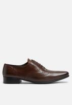 basicthread - Raymond leather brogue
