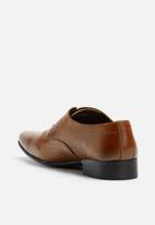 basicthread - Jonathan leather oxford