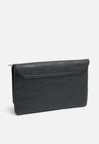 Missguided - Circle grab handle clutch bag