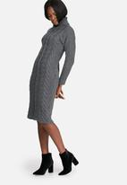 dailyfriday - Cabled midi dress